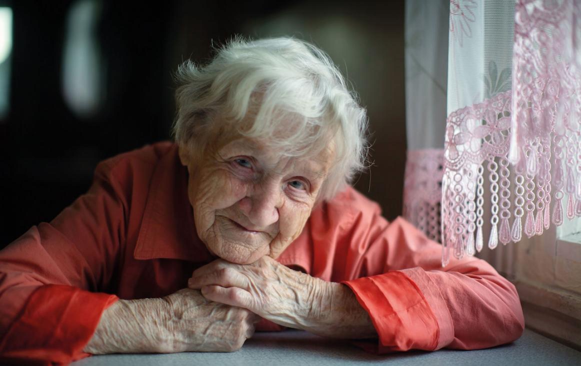 oude mensen leven op bij het horen van muziek uit hun jeugd. Beeld:Shutterstock