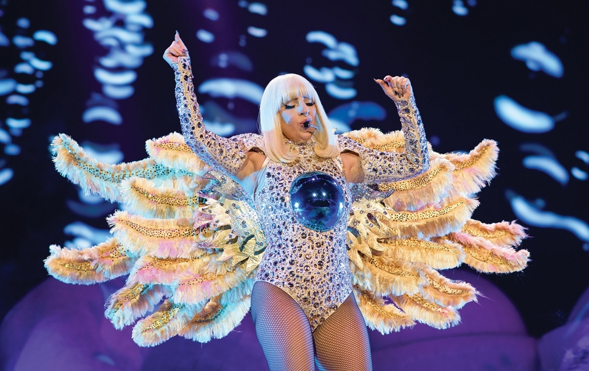 Lady Gaga's artRave: The ARTPOP Ball in de O2 Arena, London, 2014. Foto FLICKR Something for Kate
