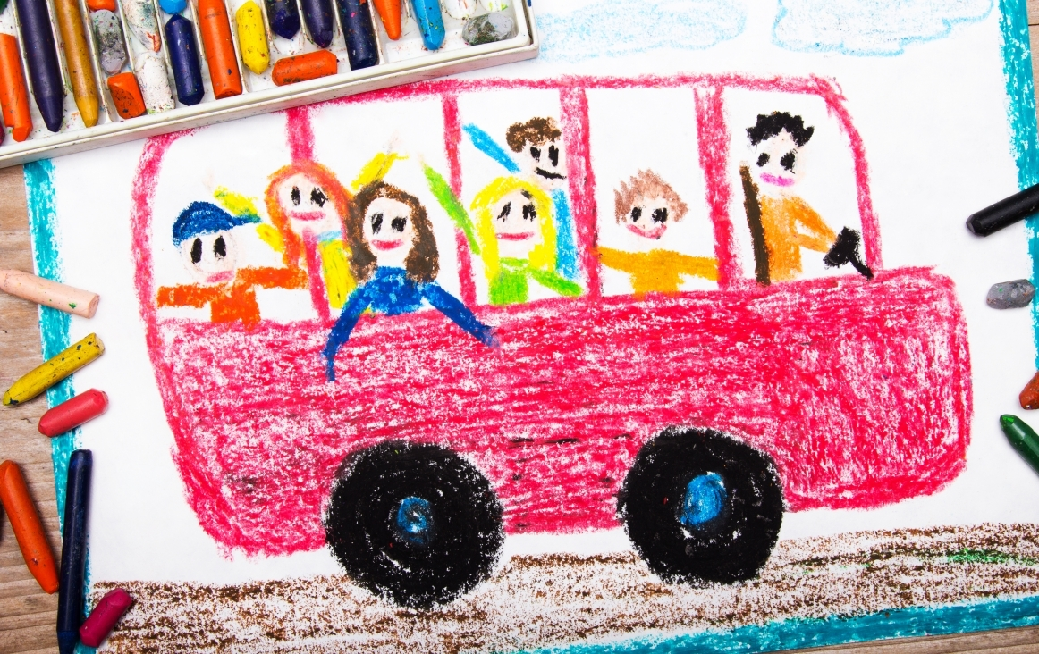 Autobus, door kind getekend met waskrijt