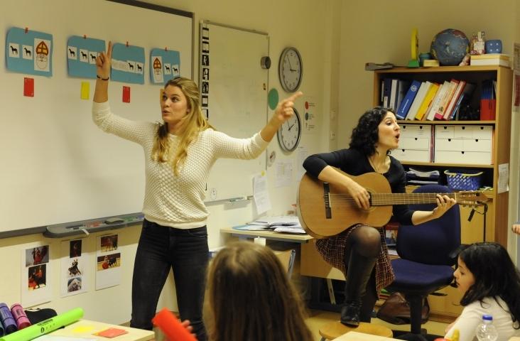 Co-teaching. Studenten van pabo en docent-muziekopleiding leren van elkaar.