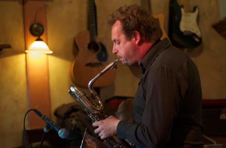 Saxofonist Leon van Mil