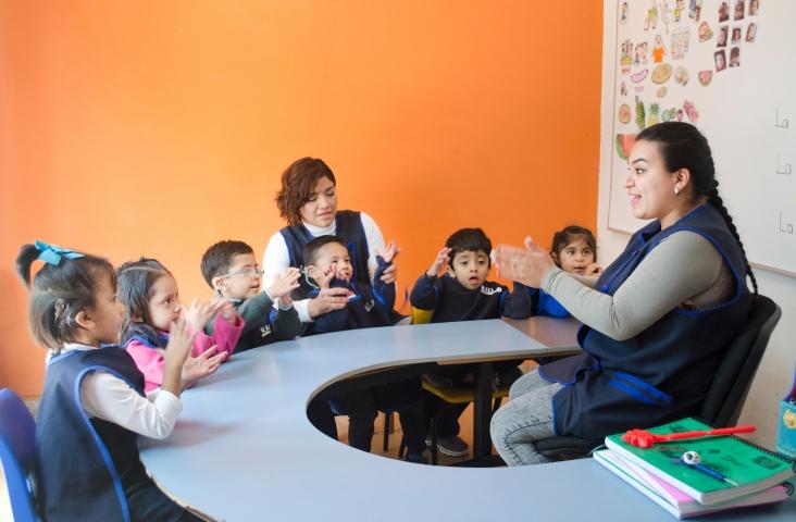 Kinderen met cochleair implantaat. Foto Shutterstock