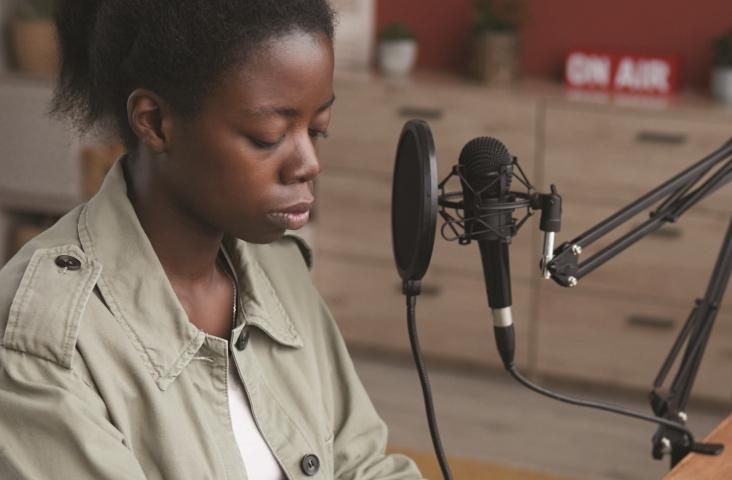 Meisje aan het componeren (fragment). Bron: Shutterstock