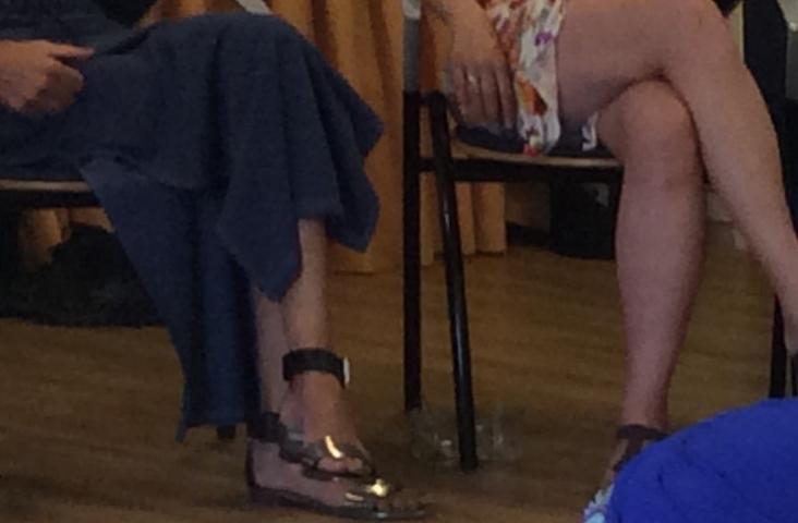 Oefenen met een 'baby'. Beeld uit de zomerweek van de Docent Muziek op Schootopleiding 2015